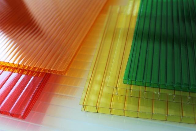 Transparent Polycarbonate Construction Layers